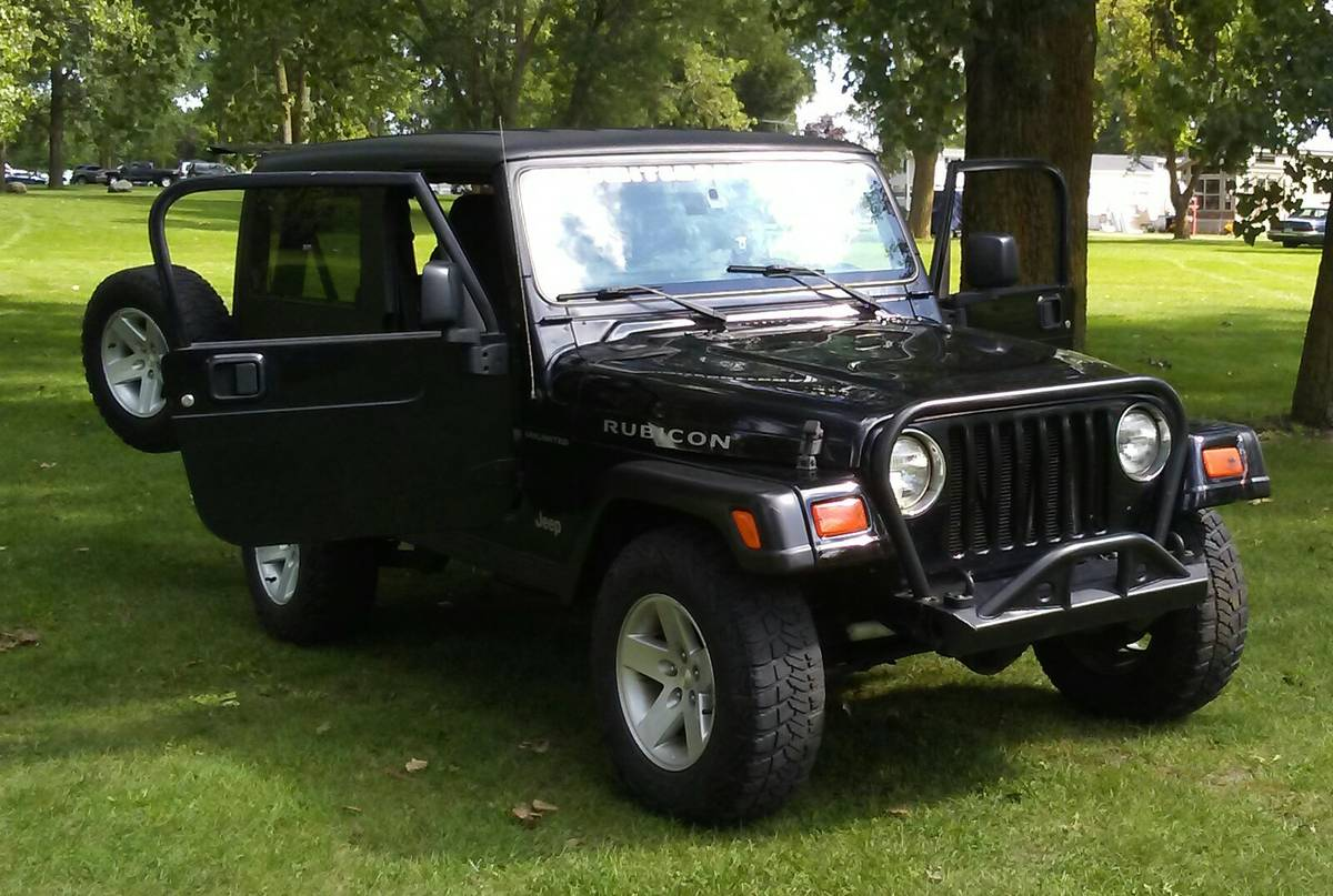 2005 jeep wrangler rubicon for sale in detroit metro. Black Bedroom Furniture Sets. Home Design Ideas